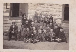 1933 school photo Walery Choroszewski- aged 10-12 Nr 10 front of photo